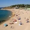 Туристов в Крыму меньше, но пляжей больше