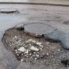 До конца года в Керчи обязались устранить мелкие дефекты дорожного полотна