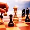 Гроссмейстер Айрапетян сыграл в шахматы с керченскими ветеранами