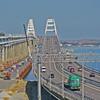 За год по Крымскому мосту проехали больше 700 тысяч фур