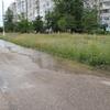 На Ворошилова прорвало трубу: вода размывает ямочный ремонт