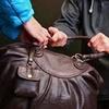 В Керчи опера угрозыска задержали 25-летнего похитителя сумок