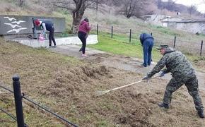 Волонтеры благоустроили еще одну братскую могилу