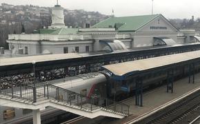 Первый проехавший по мосту поезд прибыл в Севастополь