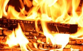 На пожаре в Керчи пострадал человек