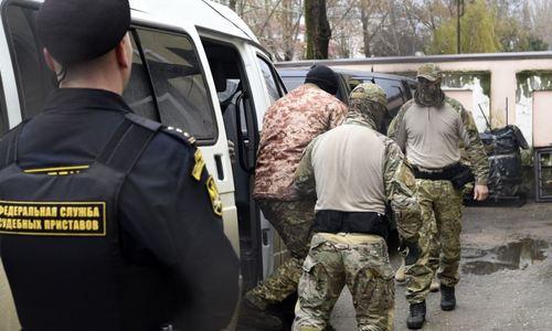 Всех задержанных близ Крыма моряков обвинили в незаконном пересечении границы