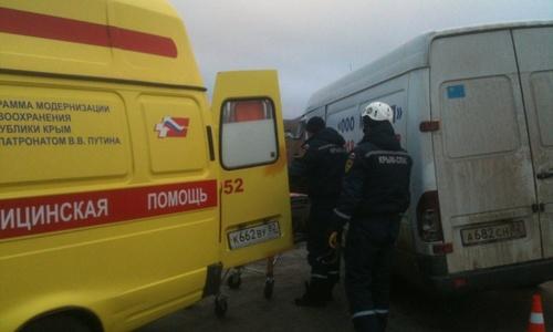 На трассе Керчь-Симферополь столкнулись три автомобиля