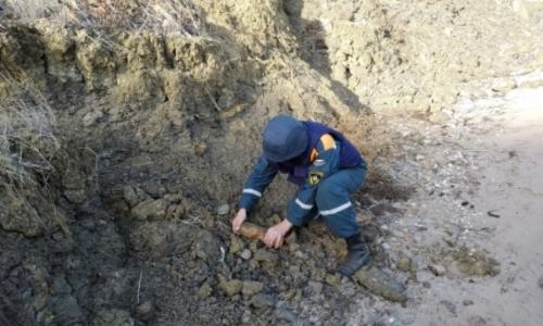 Под Керчью уничтожили 11 боеприпасов