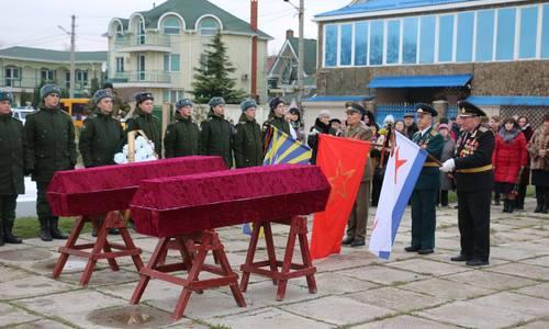 В Керчи перезахоронили останки воинов