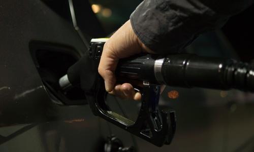 В ФАС рассказали, когда в Крыму снизят цены на бензин