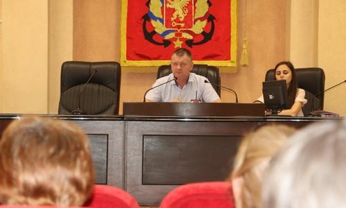 Глава администрации Керчи подвел итоги встреч во дворах