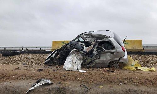 В ДТП с разорванной легковушкой на «Тавриде» погиб водитель