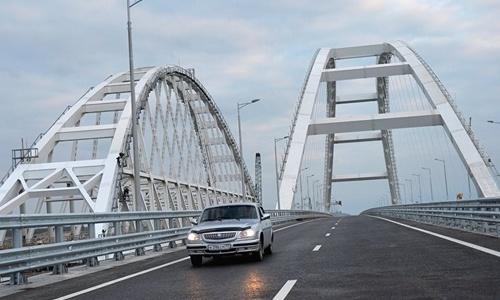 По Крымскому мосту на полуостров приедет больше туристов