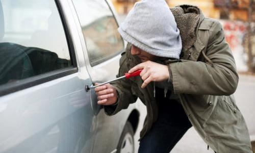 В Керчи поймали серийных автоугонщиков