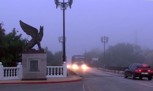 На Керчь опустился туман