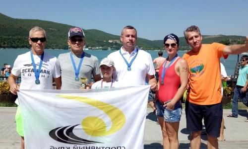 Керчане заняли первые места в заплыве через Абрау