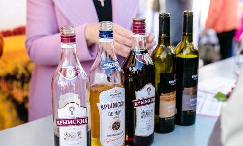 Крымским вином собрались торговать до полуночи