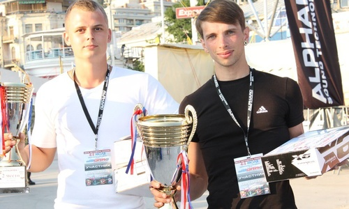 Керченских автолюбителей признали лучшими на этапе Чемпионата мира по «db Drag racing»