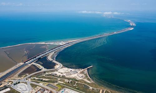 После двух дней шторма открыт Керченский пролив