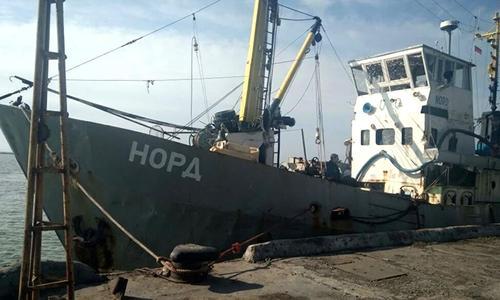 Керченские моряки все еще сидят без судна и зарплаты