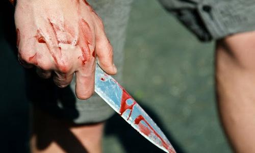 Керчанин пытался убить гражданскую жену и ребенка