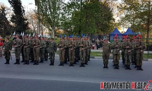 В Керчи проходят репетиции Парада Победы