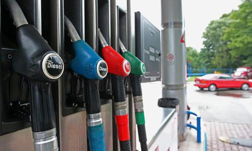 Одна из крымских АЗС не станет поднимать цены на бензин