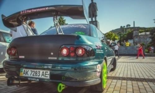К юбилею российского союза молодежи в Керчи устроят выставку тюнингованных  авто