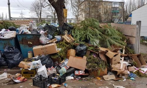 Вместо снега на Новый год в Керчи выпал мусор
