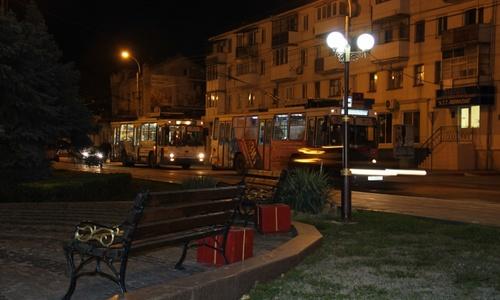 В центре Керчи внезапно встал троллейбус: на дороге пробка