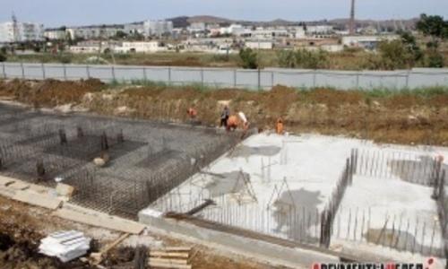 Строителям домов для переселенцев в Керчи дали месяц
