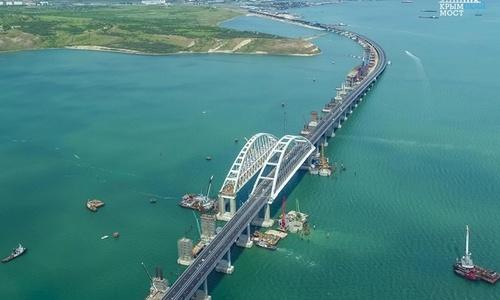 Ж/д часть Крымского моста строят по графику