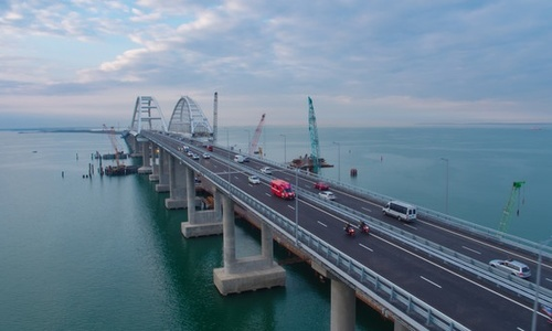 Завтра в полночь по Крымскому мосту пустят грузовики