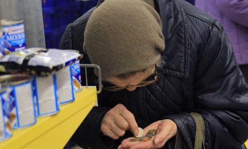 Житель Ленинского района вынес из дома пенсионерки 100 тысяч