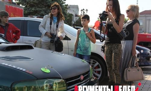 Керченской молодежи вновь показали тюнингованные авто