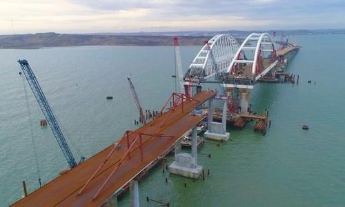 Радикальные украинцы не помешают открытию моста в Крым