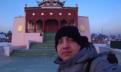 Прошедший тысячи километров путешественник просит керчан об экскурсии по древнему городу