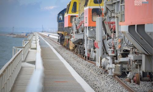 Железная дорога через Керченский пролив готова наполовину