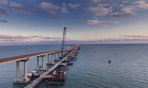 Почти готов: все ж/д пролеты Крымского моста установлены