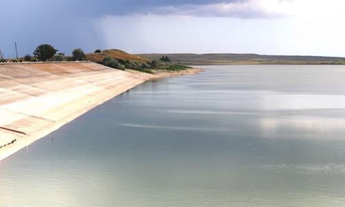 В Керченское водохранилище днепровскую воду качают самые мощные в Украине двигатели