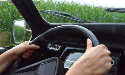 В Керчи фургон задавил пенсионерку