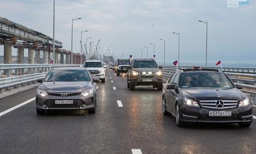 На выходных по Крымскому мосту проехали 70 тысяч машин